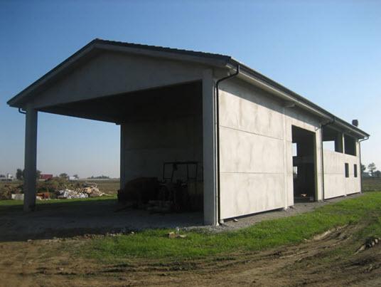 Capannoni agricoli prefabbricati in metallo confortevole for Costruire un capannone