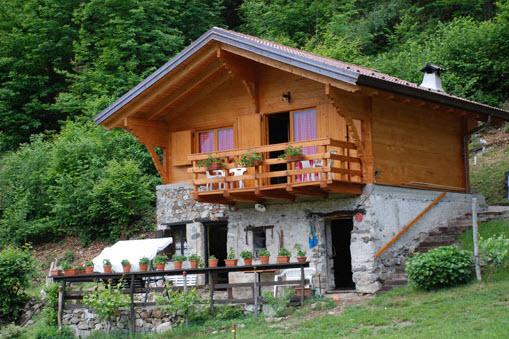 Antonini legnami vercelli varallo case prefabbricate for Case prefabbricate torino