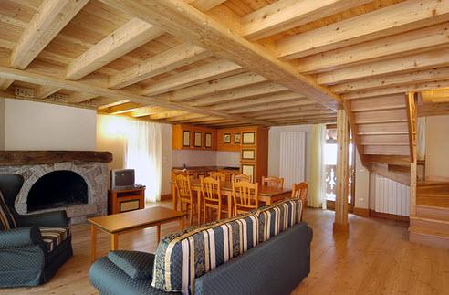 Strutture in legno in trentino alto adige for Arredamento trentino alto adige