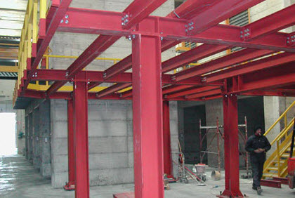 Prefabbricati metallici in veneto for Strutture in ferro per case
