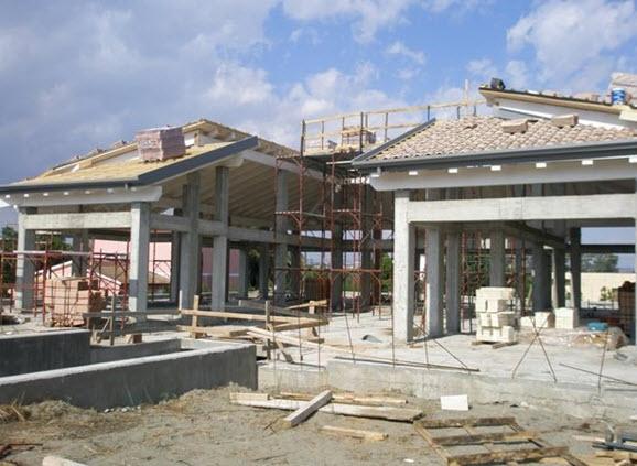 Dolomiti legno bari gravina in puglia tetti in legno for Case prefabbricate puglia
