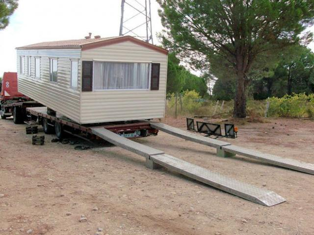 Holiday van trapani mazara del vallo case mobili for Casette in legno abitabili arredate