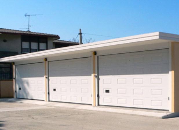 Box auto e garage a padova for Garage per due auto e mezzo