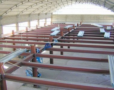 Stalle prefabbricate a firenze for Strutture in ferro per case