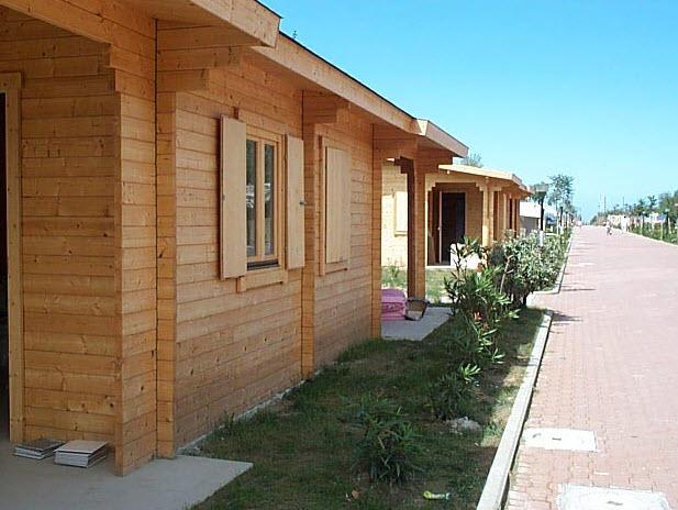 Spogliatoi prefabbricati a livorno for Prefabbricati di legno