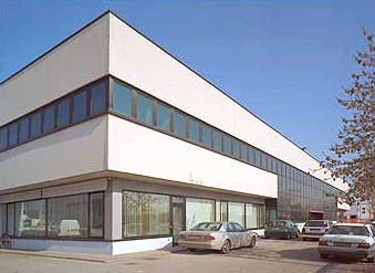 Tribune prefabbricate a udine for Capannone moderno