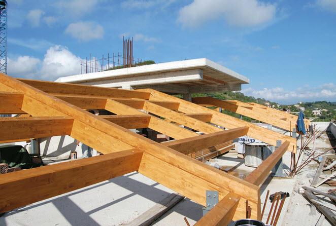 Protec legno srl salerno fisciano tetti in legno for Montaggio tetto in legno ventilato