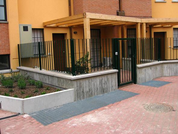 Prefabbricati in cemento a bologna for Immagini recinzioni