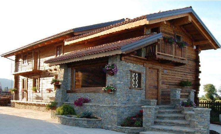 Case prefabbricate in legno a cuneo for Piani di casa di montagna con seminterrato sciopero