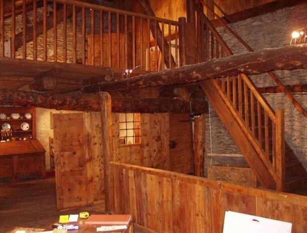 Case prefabbricate in legno a cuneo for Case interne