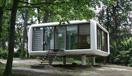 Loftcube il prefabbricato futuristico coniuga il viaggio e l 39 abitazione - Casa container prezzo ...