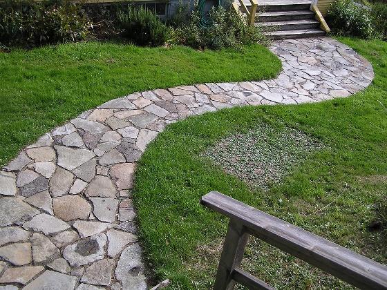 Granite Stone Pathways : Come progettare e arredare il giardino di una casa ecologica