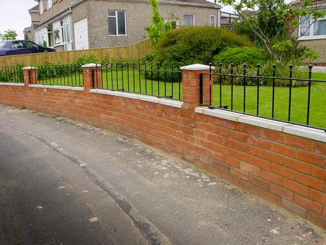 Idee per recinzioni esterne cheap idee di in finta pietra for Idee per recinzioni esterne