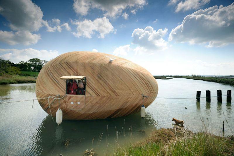 Una casa a uovo galleggiante for Case estremamente economiche