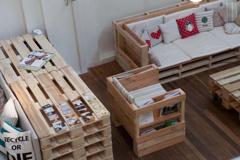 Il consorzio conlegno presenta i primi mobili ecologici rigenerati - Mobili fatti con i pallet ...