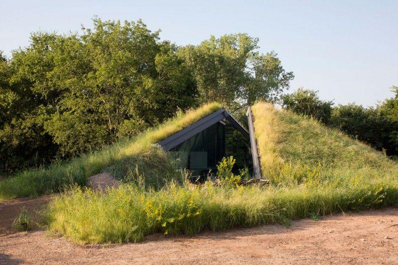 Una originale casa sotto terra dalle caratteristiche eco ...