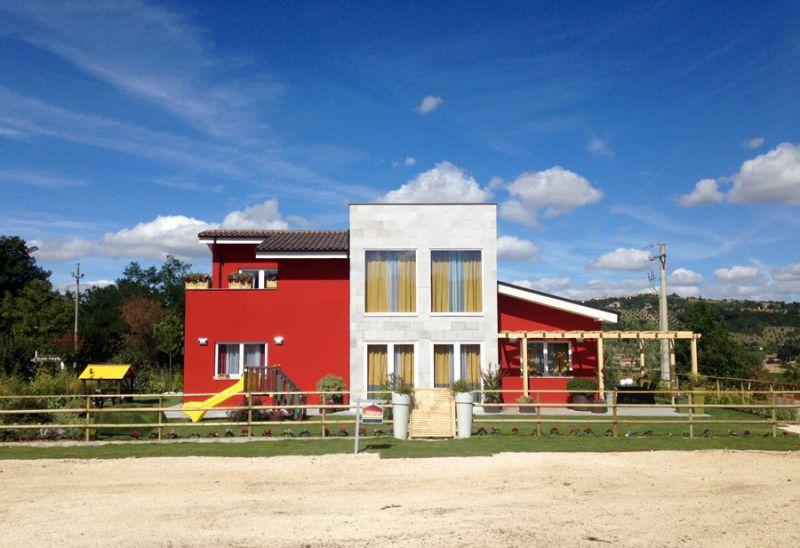 Le case prefabbricate arrivano anche in tv for Casa costruita