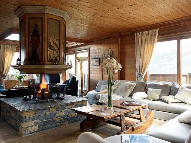 Acquistare o affittare una baita in montagna siti on line for Arredamento baita montagna